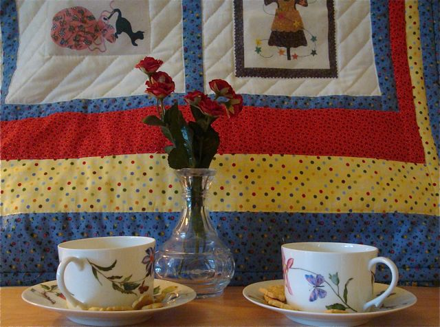 HighTea-quilt-roses-cups